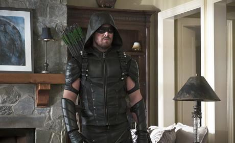 Breaking in - Arrow Season 4 Episode 22
