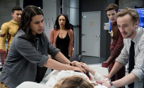 Gather the Team - The Flash Season 3 Episode 18