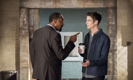 Barry's In Trouble - The Flash Season 3 Episode 2