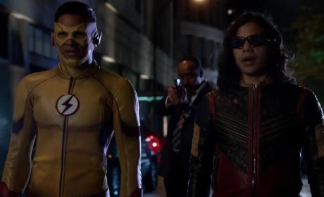 The Flash Season 4: FIRST LOOK!
