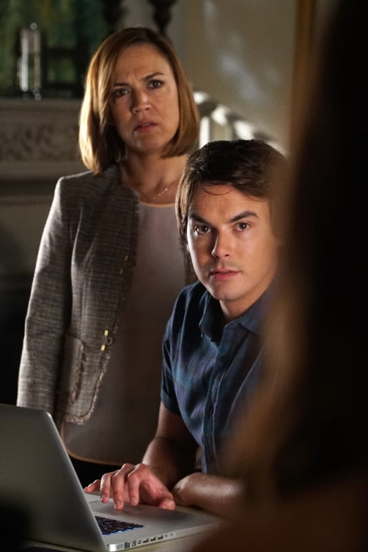 Are Caleb and V Breaking The Law? - Pretty Little Liars Season 6 Episode 12