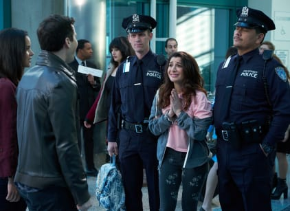 Watch Brooklyn Nine-Nine Season 5 Episode 17 Online