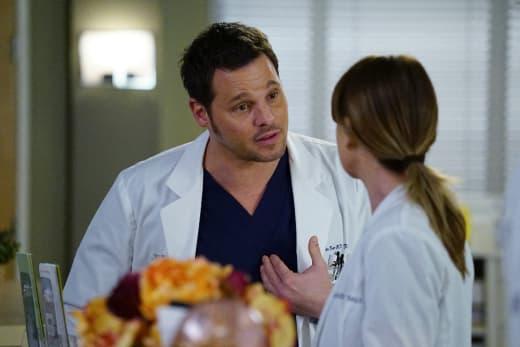 Making a case - Grey's Anatomy Season 13 Episode 15