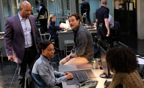 The Team Together - Lethal Weapon Season 2 Episode 14