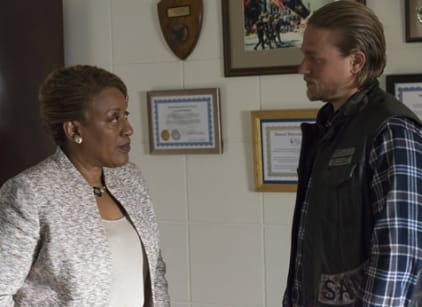 Watch Sons of Anarchy Season 6 Episode 9 Online