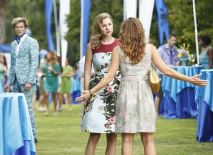 Watch Revenge Season 4 Episode 1 Online