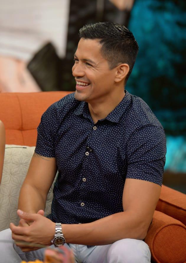 Jay Hernandez Lands Lead on Magnum P.I. Reboot - TV Fanatic