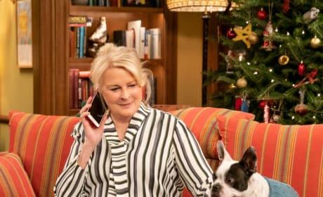 Murphy Living Alone - Murphy Brown Season 11 Episode 13