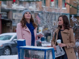 Lorelai and Rory in Winter  - Gilmore Girls