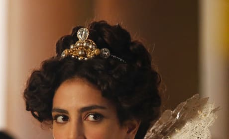 Princess Isabella Stuns - Still Star-Crossed Season 1 Episode 1