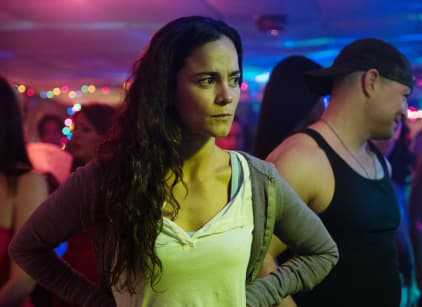 Watch Queen of the South Season 2 Episode 5 Online