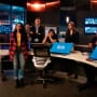 Team Flash Debates Their Next Move - The Flash Season 5 Episode 18