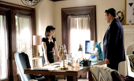 Chet asks Quinn to be his character witness - UnREAL Season 3 Episode 7