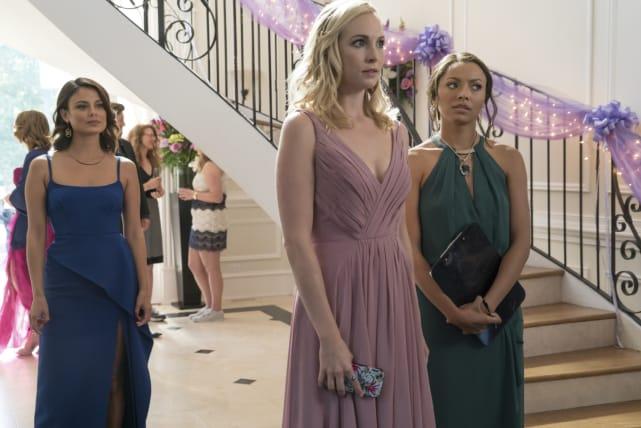 Miss Mystic Falls - The Vampire Diaries Season 8 Episode 9