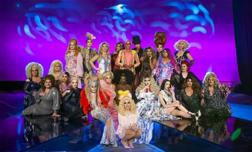 Drag Race Alum - RuPaul's Drag Race Season 10 Episode 1