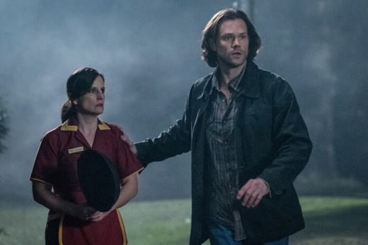Sam Helps - Supernatural Season 13 Episode 17