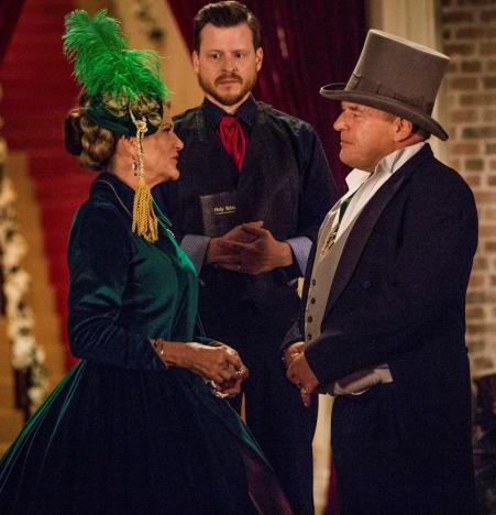 Family Ceremony - Claws Season 1 Episode 7
