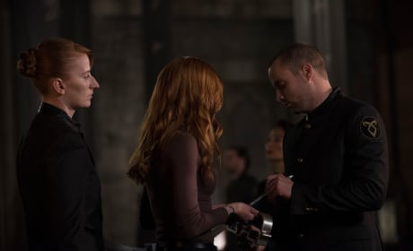 Handcuffed - Shadowhunters Season 3 Episode 8