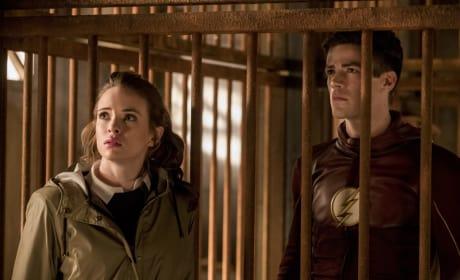 Neighboring Cells - The Flash Season 3 Episode 13