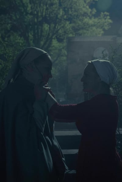 A Happy Goodbye - The Handmaid's Tale Season 3 Episode 13