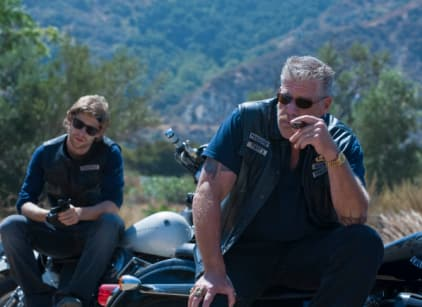 Watch Sons of Anarchy Season 2 Episode 10 Online