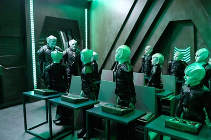 Meeting the Krill Crew - The Orville Season 1 Episode 6