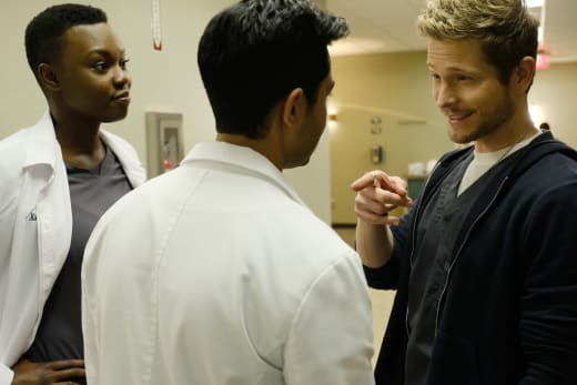 Here's Looking at You, Kid! - The Resident Season 1 Episode 12