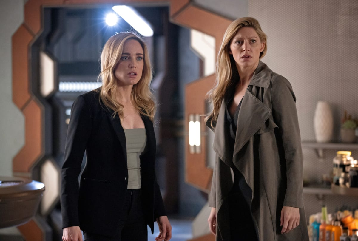 https://tv-fanatic-res.cloudinary.com/iu/s--qKk1HHVU--/f_auto,q_auto/v1580579077/avalance-dcs-legends-of-tomorrow-season-5-episode-2