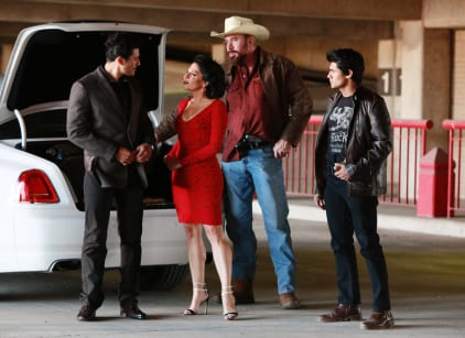 Watch Queen of the South Season 1 Episode 9 Online
