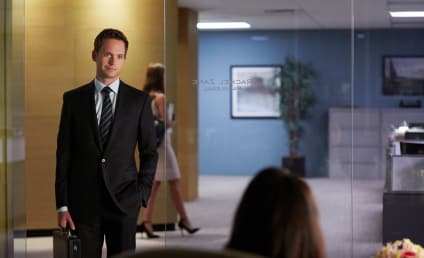 Suits Picture Preview: Reuniting is Awkward!