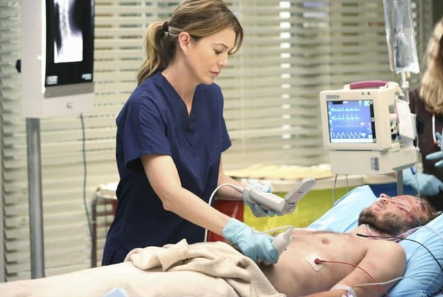 Meredith, On Her Own - Grey's Anatomy Season 11 Episode 1