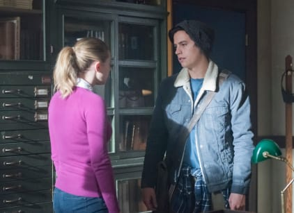 Watch Riverdale Season 2 Episode 14 Online