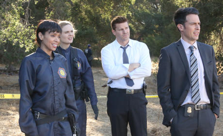 Cam, Brennan, Booth, and Aubrey Watch Hodgins Chase a Goat! - Bones Season 10 Episode 6
