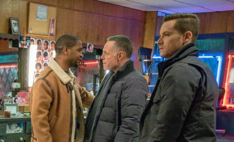 Let's Make a Deal  - Chicago PD Season 6 Episode 18
