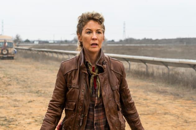 Traitor Among Us - Fear the Walking Dead Season 4 Episode 7
