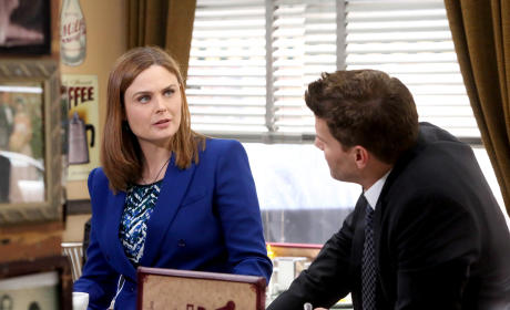 Brennan and Booth Have a Discussion - Bones Season 10 Episode 12