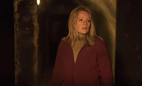Alice Breaks Free - Absentia Season 1 Episode 9