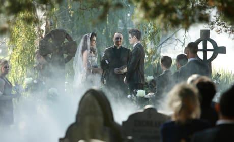 Zombie Wedding - Lucifer Season 2 Episode 6