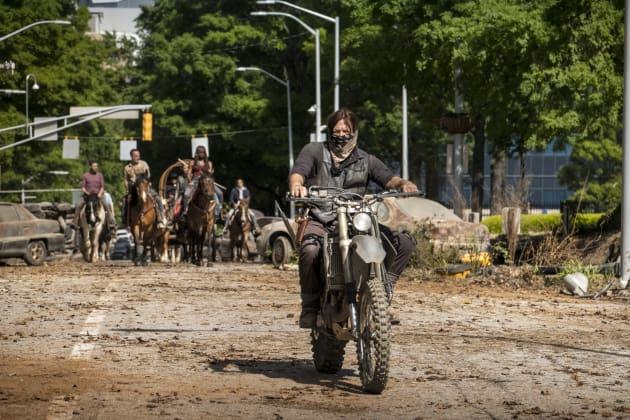 Ride With Daryl Dixon - The Walking Dead Season 9 Episode 1