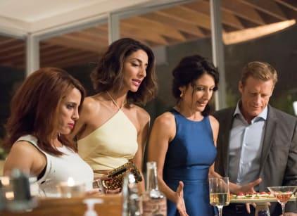 Watch Girlfriends' Guide to Divorce Season 2 Episode 10 Online