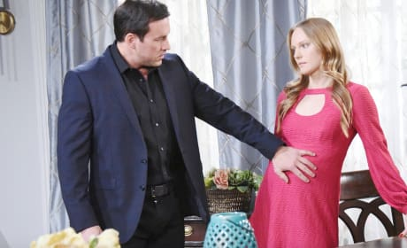Feeling the Baby Kick - Days of Our Lives