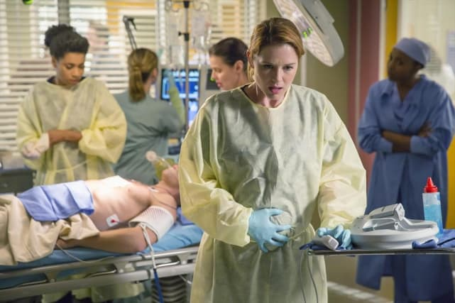 April, Showered with Bad News  - Grey's Anatomy Season 11 Episode 9