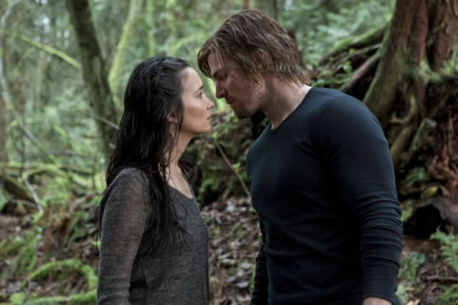 Oliver Falls for Shado on the Island