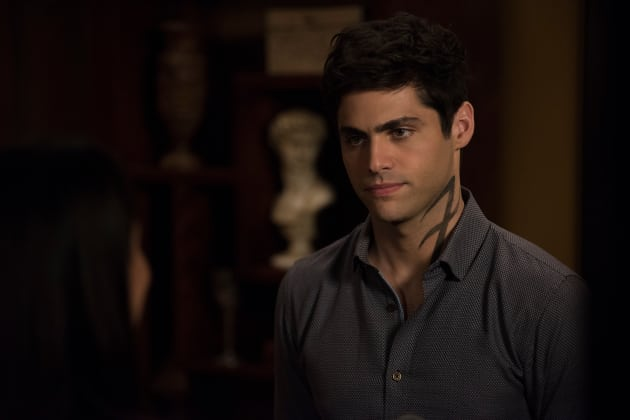Alec's News - Shadowhunters Season 3 Episode 3