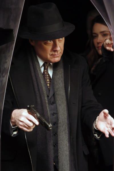 Red makes an entrance - The Blacklist Season 4 Episode 16