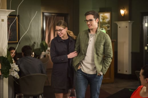 Double Date - Supergirl Season 2 Episode 18