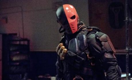 That Helmet Is Still Freaky - Arrow Season 6 Episode 5