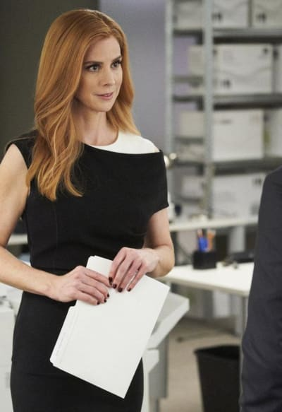 Donna Has a Plan - Suits Season 8 Episode 4