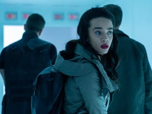 Sneaking Aboard - Killjoys Season 5 Episode 1