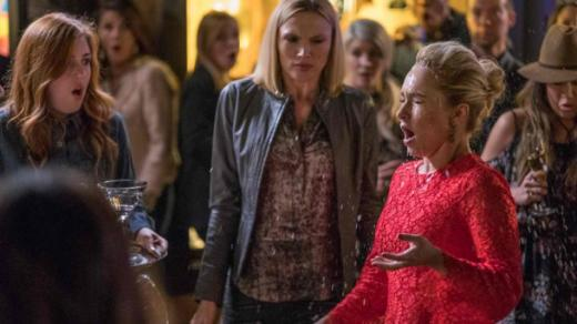 Juliette drink in face - Nashville Season 5 Episode 19